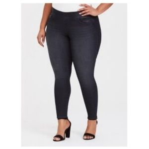 TORRID - LEAN JEAN DARK WASH JEGGING - SIZE 4